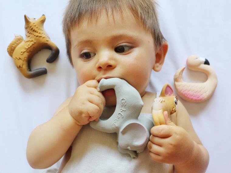Los mordedores más originales para cuando a tu bebé le estén saliendo los dientes