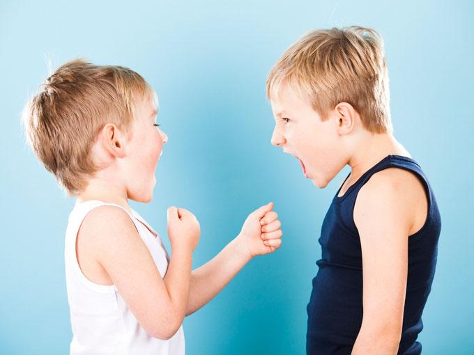 Peleas de niños: ¿debemos intervenir?
