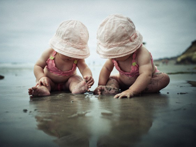 Consejos para viajar con bebés gemelos o mellizos