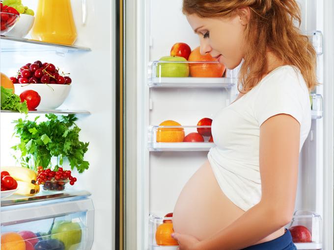 ¿Qué debe comer una mujer embarazada?