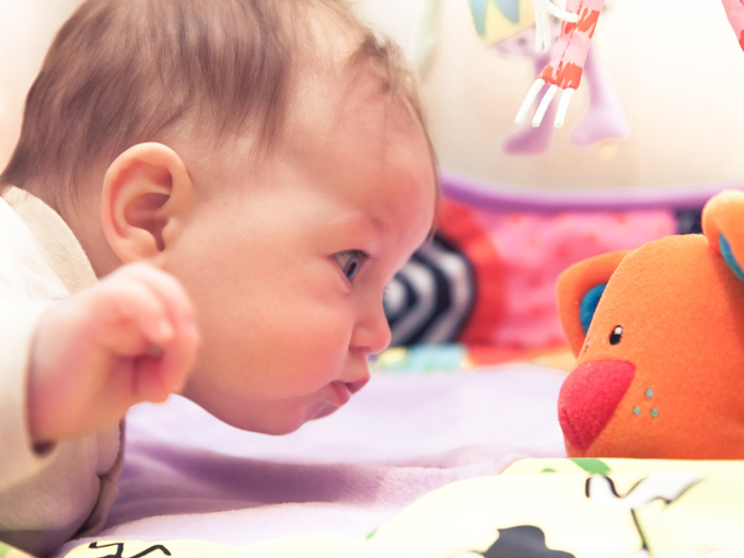 Desarrollo y estimulación del bebé de los 6 a los 12 meses