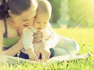 No obligar, clave de la crianza con apego