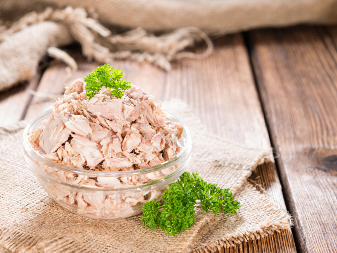 ¿Pueden los niños comer atún en lata?