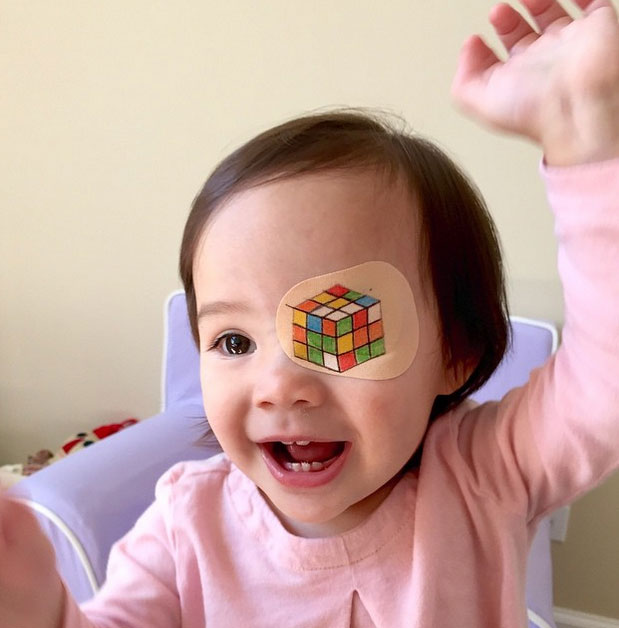 Parche decorados con el cubo de Rubik