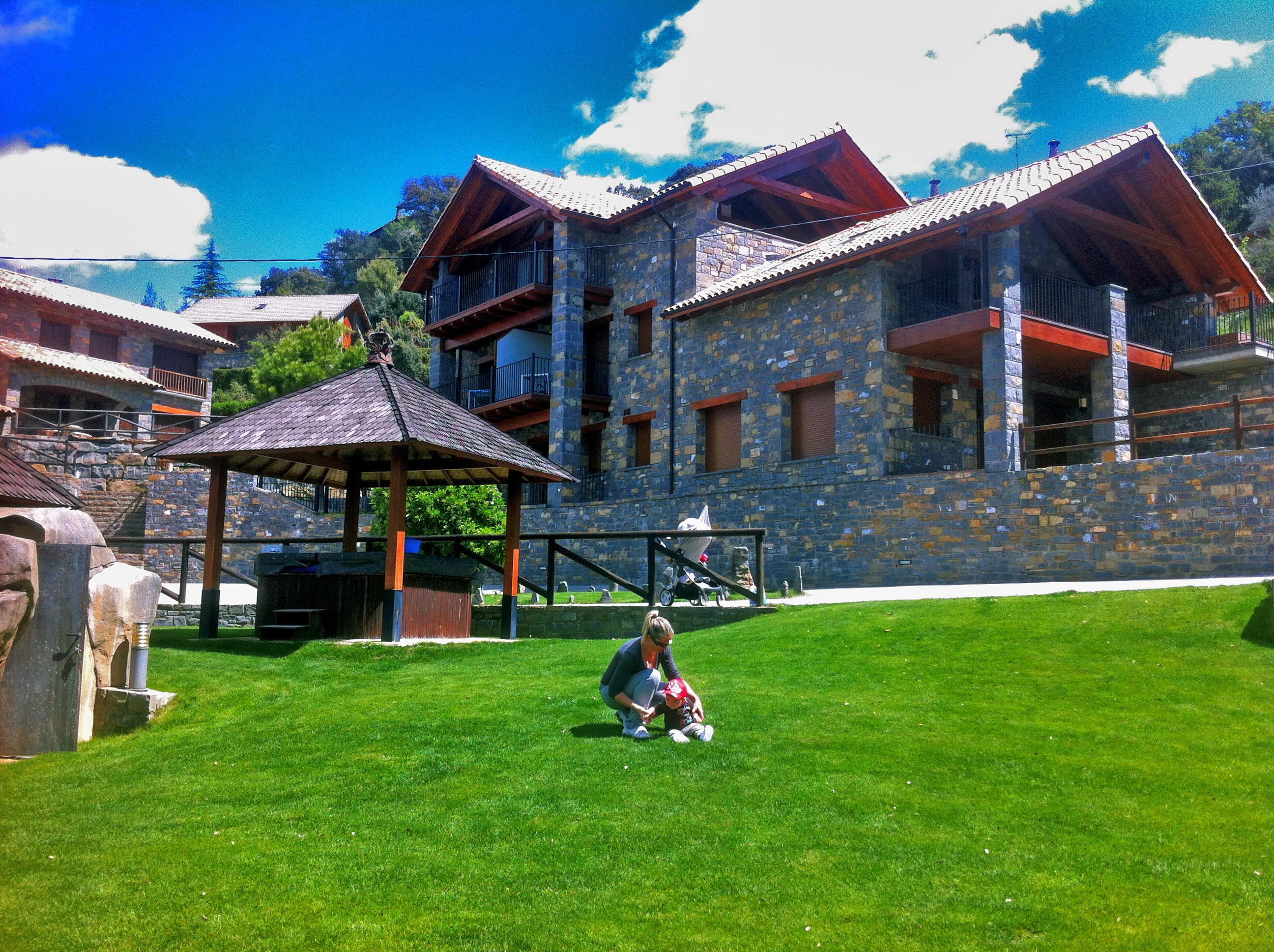 Fotos 10 casas rurales con piscina para ir con ni os for Casas rurales en caceres con piscina