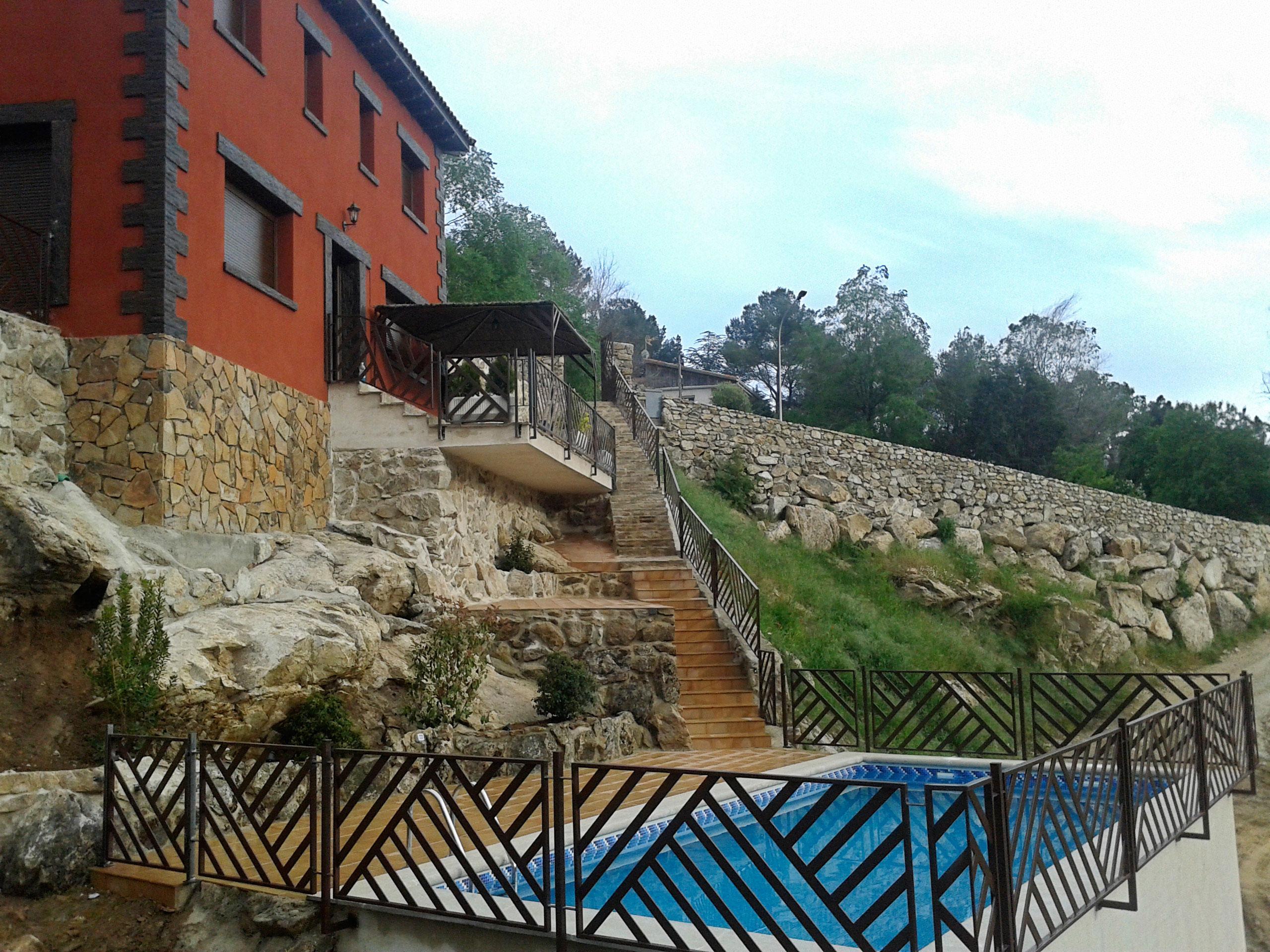 11 casas rurales con piscina para ir con ni os las casas for Casas rurales sierra de madrid con piscina