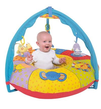 Fotos mantas de actividades para beb gimnasio de for Gimnasio 6 meses