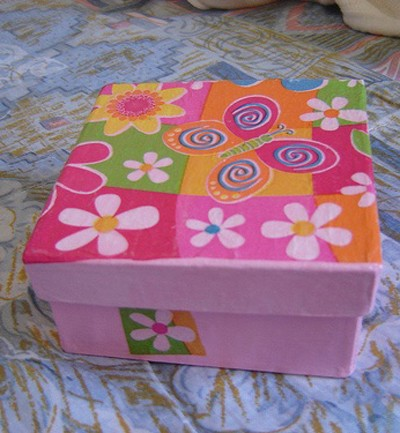 manualidades cajas decoradas revistas. Black Bedroom Furniture Sets. Home Design Ideas