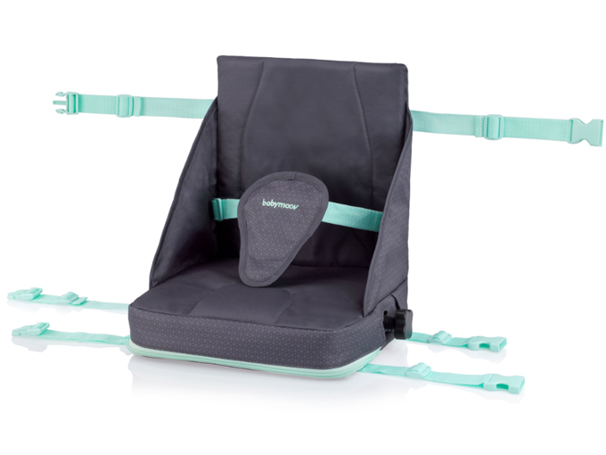 Productos prácticos para viajar en verano con bebés y niños - Trona portátil, un producto práctico para viajar con el bebé